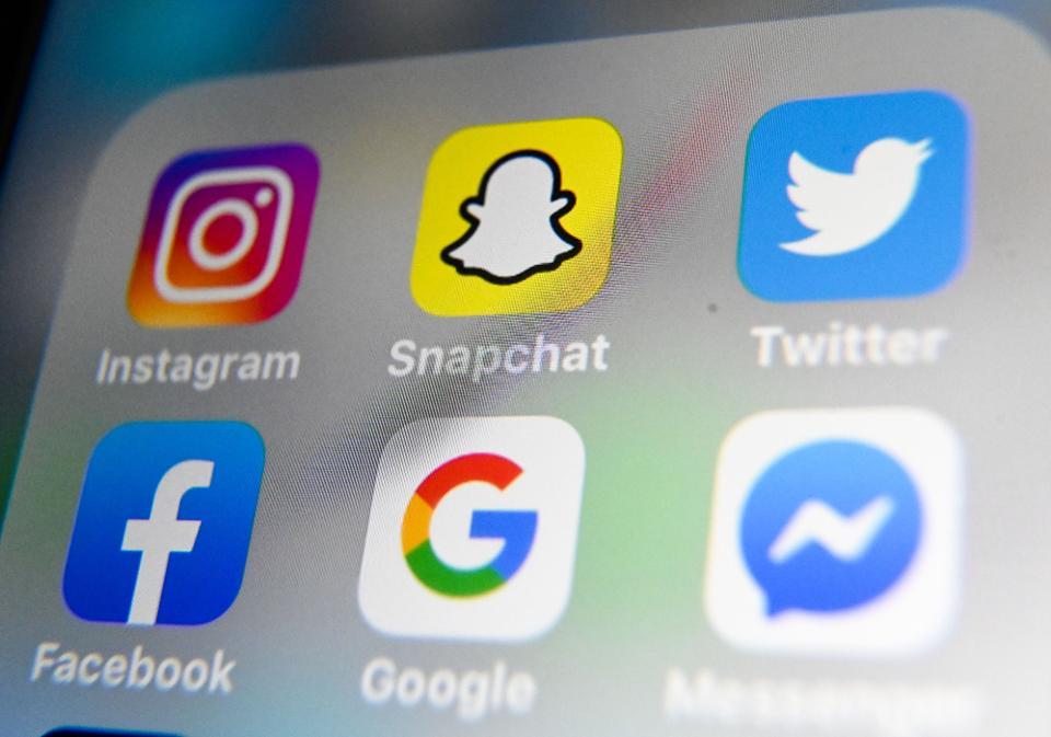 b&q social media